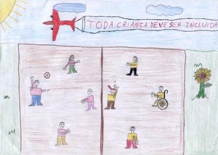 Desenho vencedor do concurso: Gílio Natan Dal Pont (12 anos) – Erechim/ Rio Grande do Sul - Oito crianças jogam vôlei numa quadra. Entre os meninos e meninas que brincam, um sorridente cadeirante, com um girassol nos raios de sua cadeira de rodas!