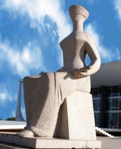 Imagem de escultura que representa a justiça