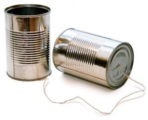 Comunicação - duas latinhas amarradas por um barbante