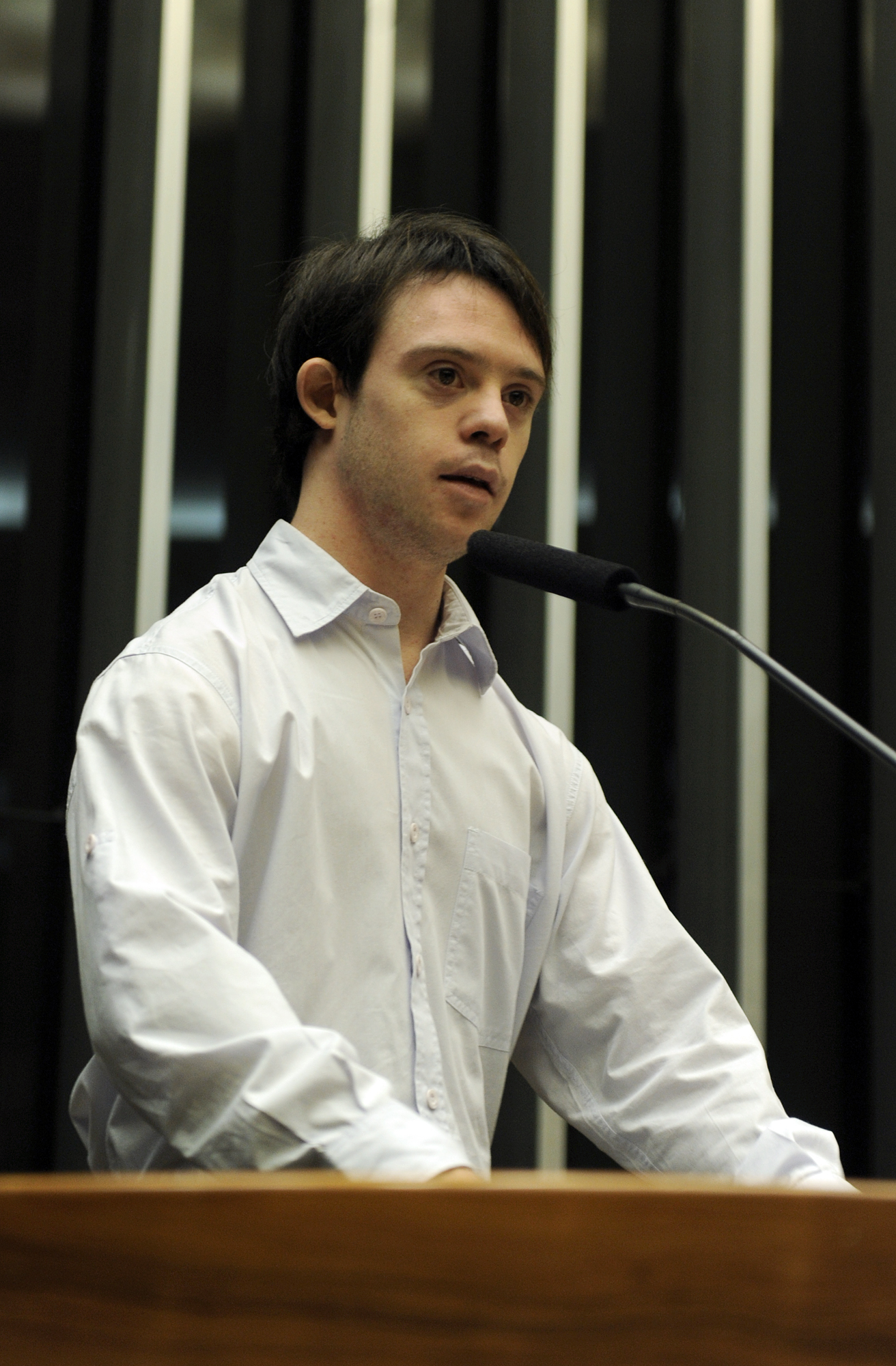 Samuel Sestaro discursa