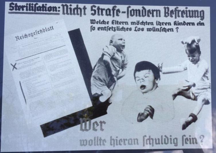 fotos em preto e branco com 3 crianças com deficiência e palavras em alemão onde pode se ler esterilização.