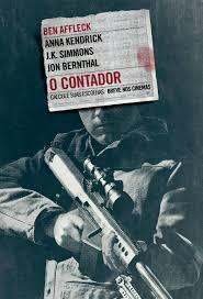 cartaz do filme o contador. em foto preto e branca, homem com rosto coberto pelo nome do filme empunha fuzil.
